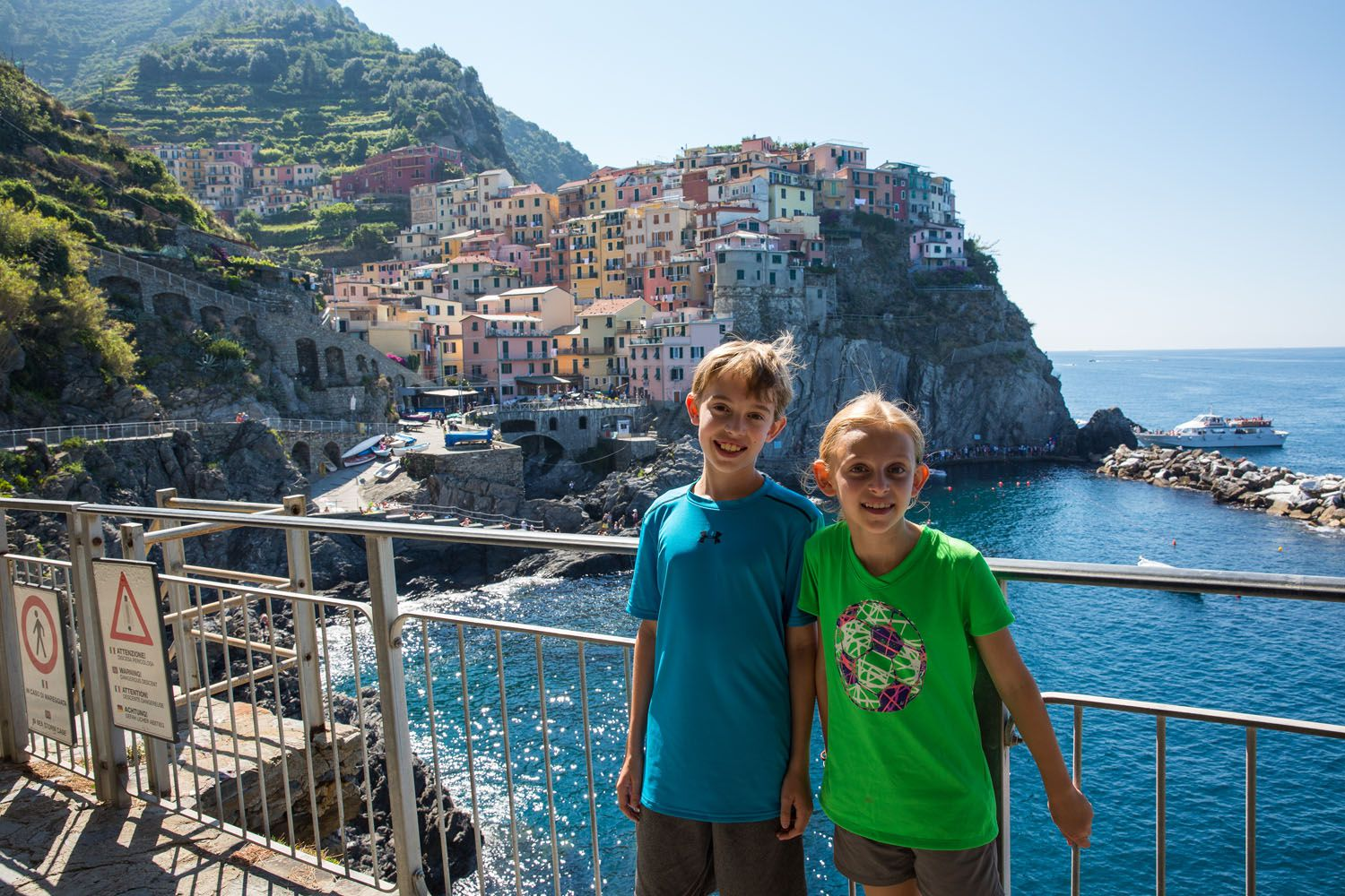 Hiking the Cinque Terre: What You Need to Know | Earth Trekkers on cinque terre italy map, monterosso al mare, ravello italy map, cortona italy map, positano italy map, amalfi coast italy map, portovenere italy map, tyrol italy map, urbino italy map, cinco de terre italy map, portofino italy map, cinque terre, italy, italian riviera map, bogliasco italy map, riomaggiore italy map, italian riviera, vernazza italy map, province of la spezia, la spezia, montepulciano italy map, capri italy map, lavagna italy map, mantua italy map, castellana grotte italy map,