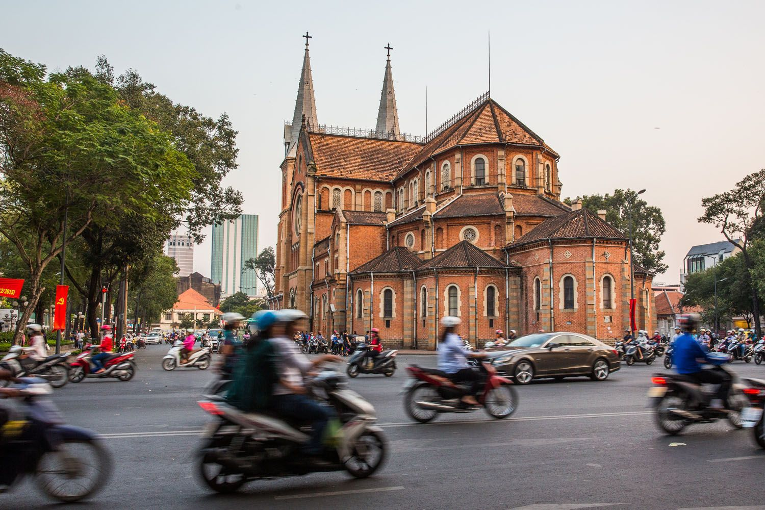Two Days in Ho Chi Minh City, Vietnam | Earth Trekkers