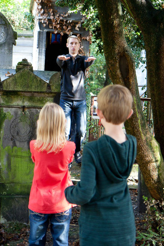Pere Lachaise Zombies