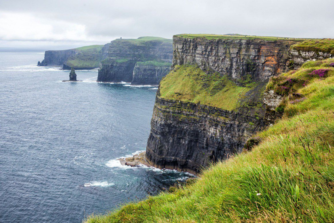 walking the cliffs of moher doolin to hags head earth. Black Bedroom Furniture Sets. Home Design Ideas