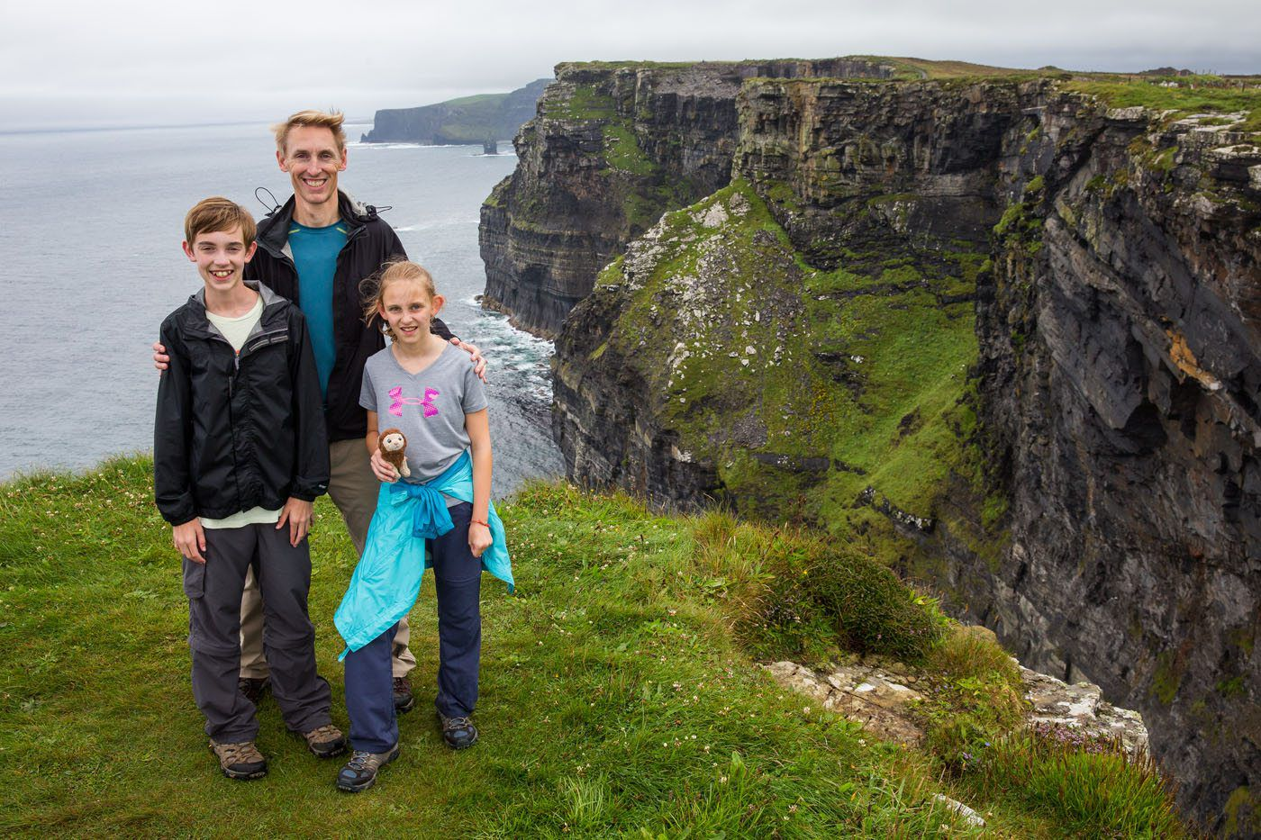 Earth Trekkers Cliffs of Moher