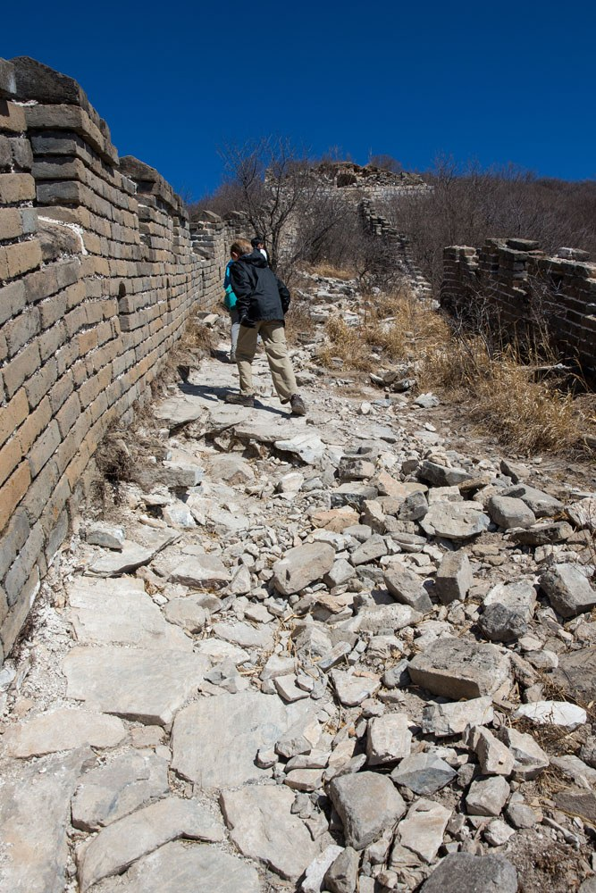 Hiking Great Wall with kids
