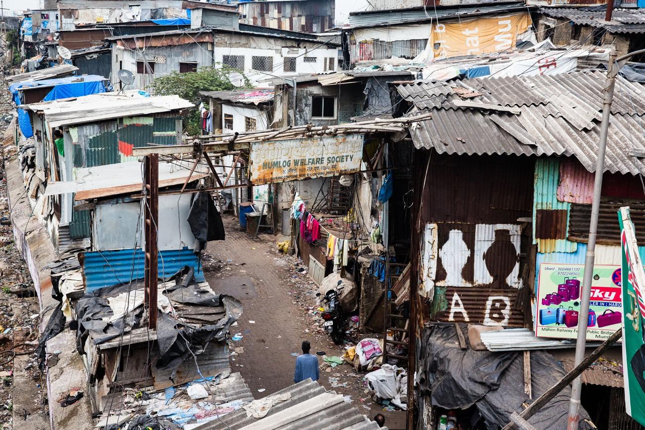 A Tour Of The Dharavi Slum In Mumbai India Earth Trekkers