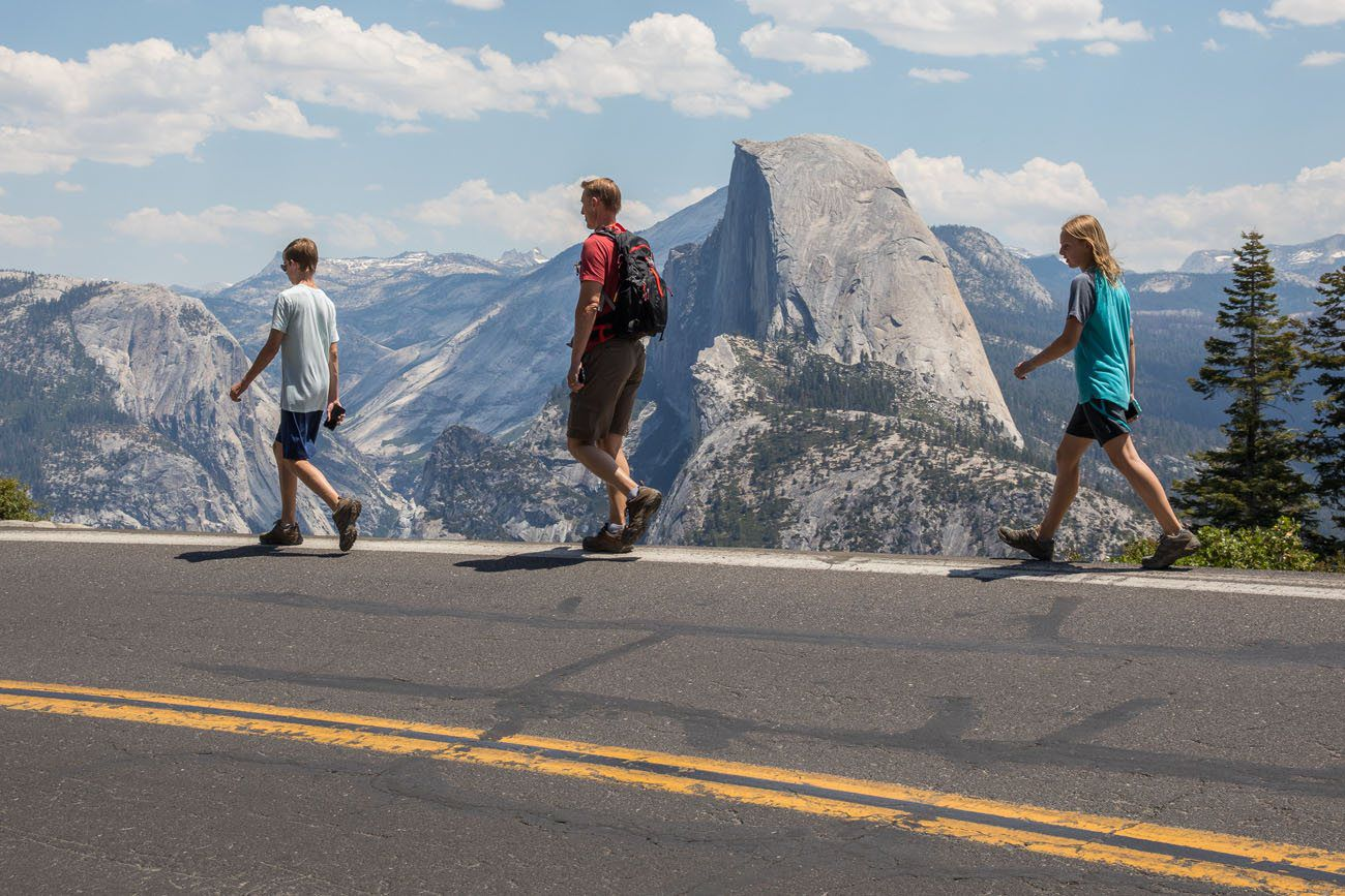 Walking to Glacier Point