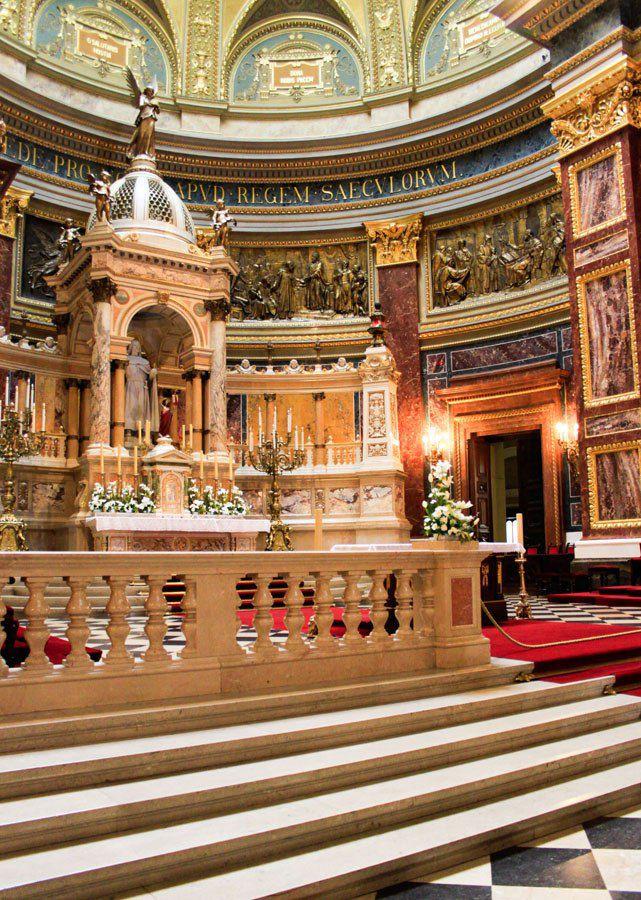 Inside St Stephens Basilica