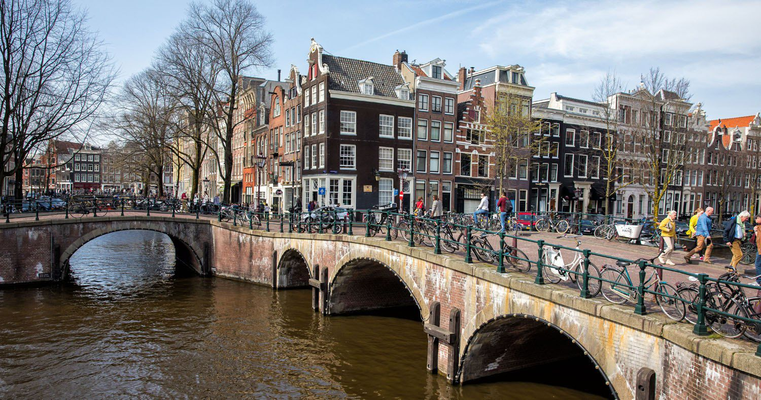10 Day Amsterdam Brussels Paris Itinerary | Earth Trekkers