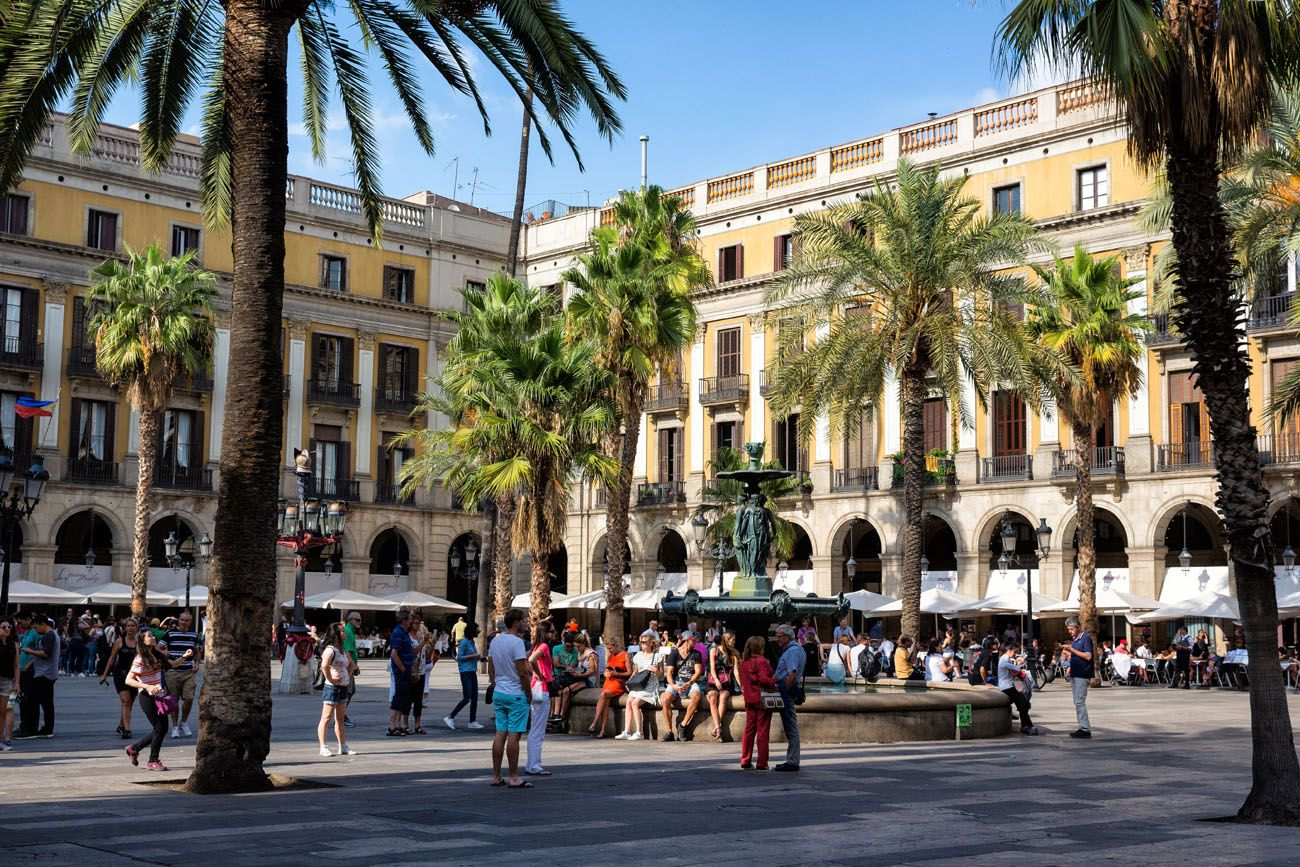 Placa Reial Barcelona Where to Stay in Barcelona