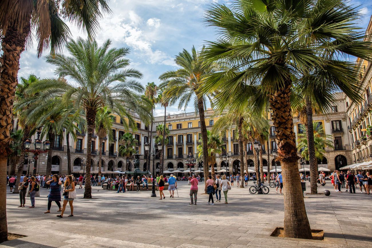Placa Reial Barcelona 3 days in Barcelona itinerary
