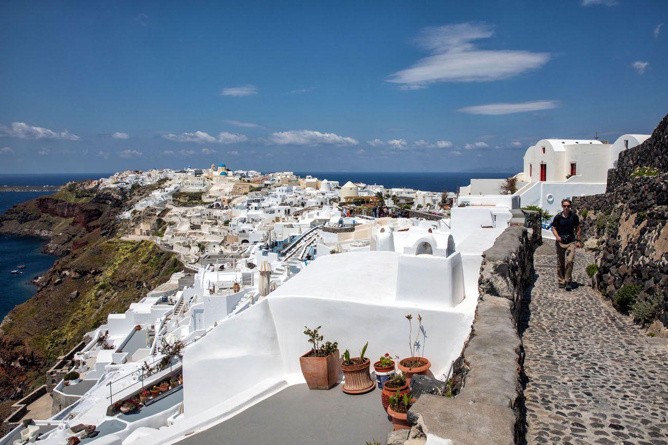 Entering-Oia.jpg.optimal ▷ Cómo caminar de Fira a Oia, el paseo más hermoso en Santorini