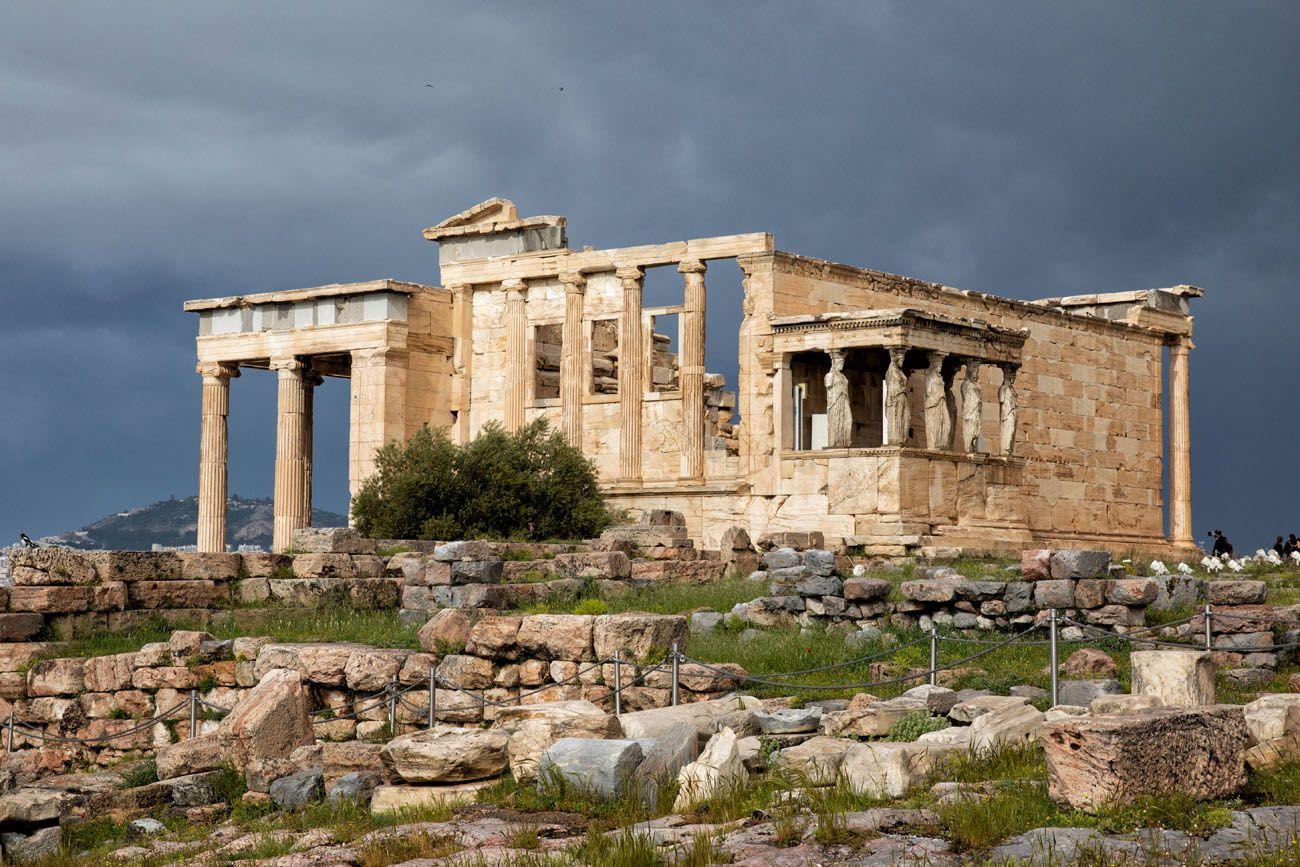 Erechtheion-1.jpg.optimal ▷ Atenas Bucket List: 20 mejores cosas que hacer en Atenas, Grecia