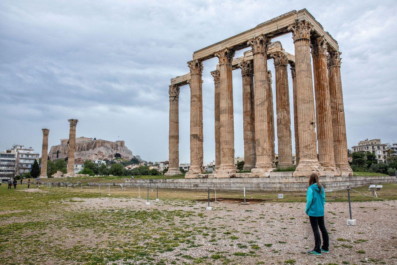 Temple-of-Olympian-Zeus-1.jpg.optimal ▷ Atenas Bucket List: 20 mejores cosas que hacer en Atenas, Grecia