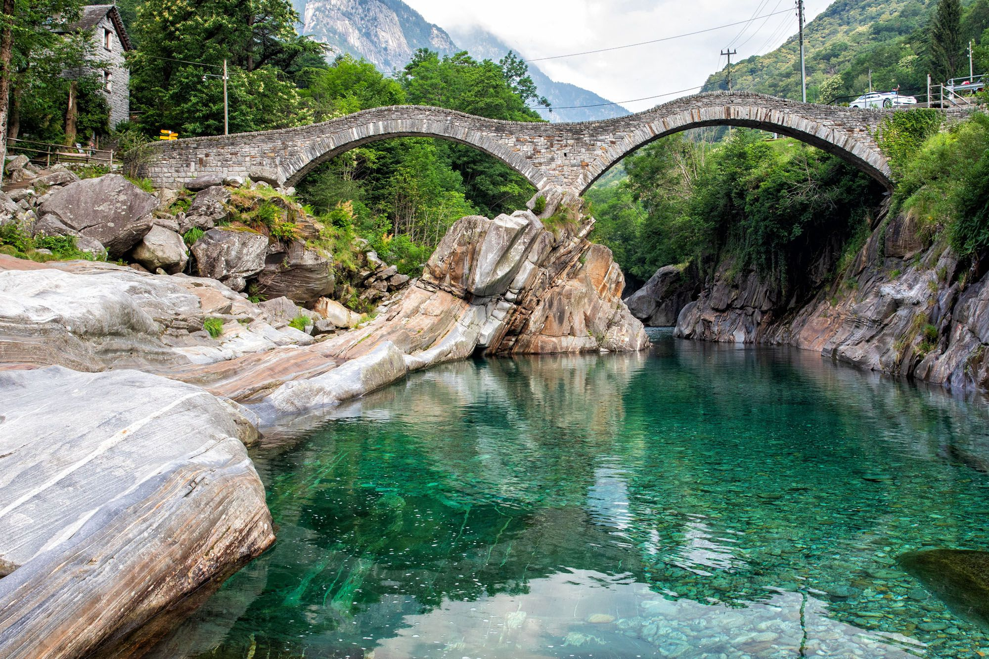 How to Visit Ponte dei Salti Bridge