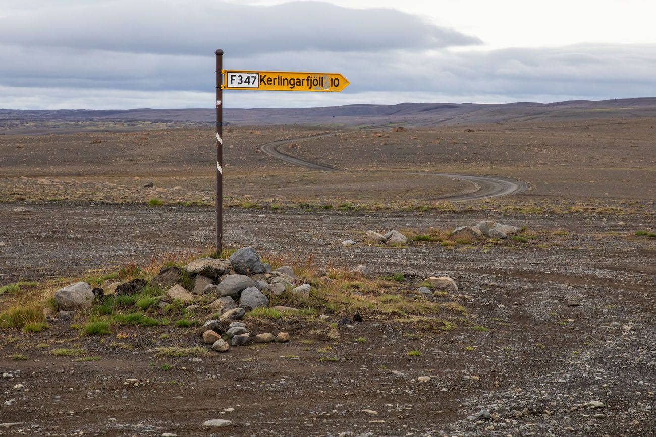 Kerlingarfjoll Road Sign