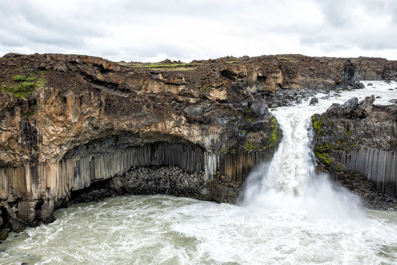 How to Visit Aldeyjarfoss Iceland
