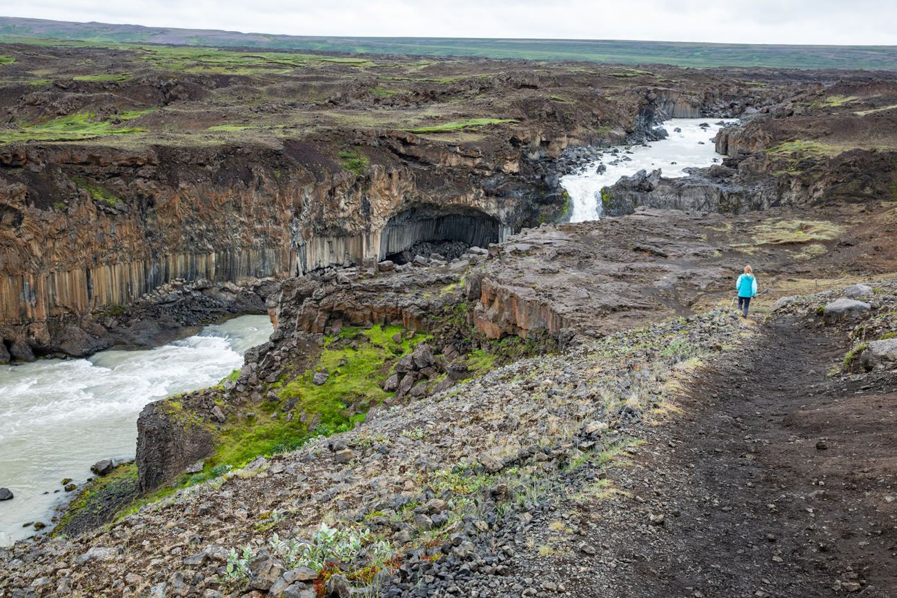 Trail to Aldeyjarfoss