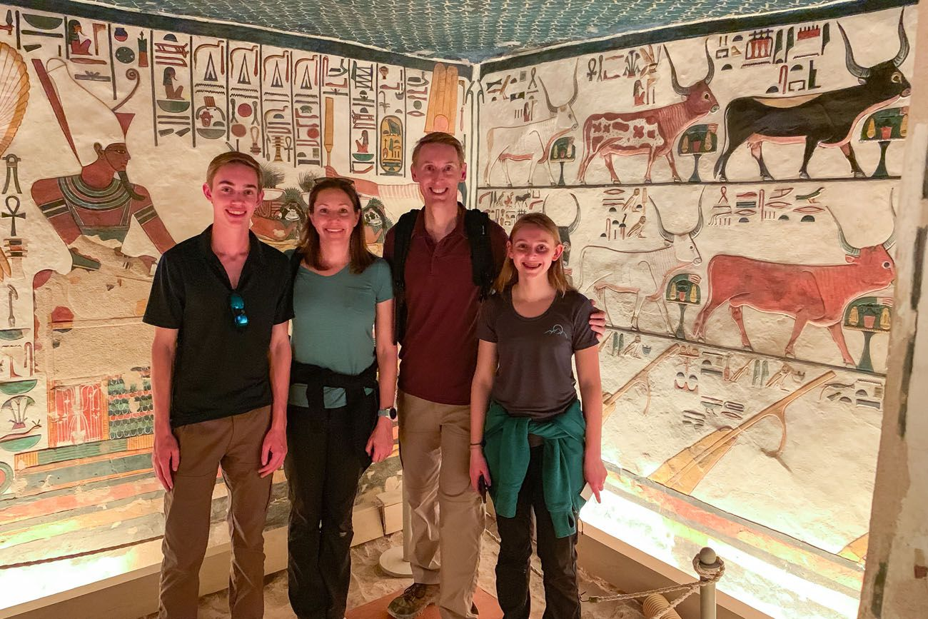 Earth Trekkers in Nefertari Tomb