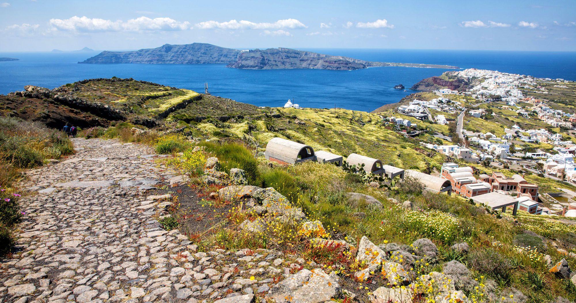 Fira to Oia Santorini