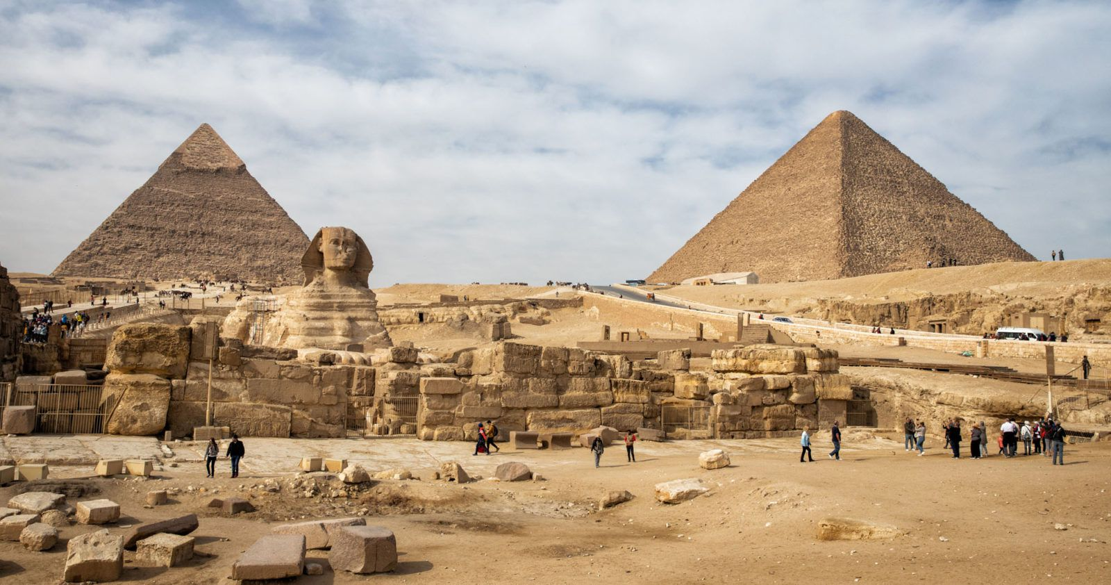 Pyramids of Giza Guide