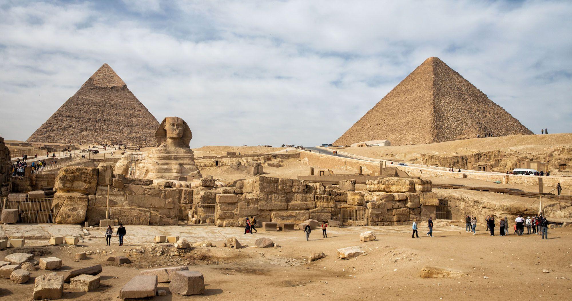 Pyramids of Giza Guide