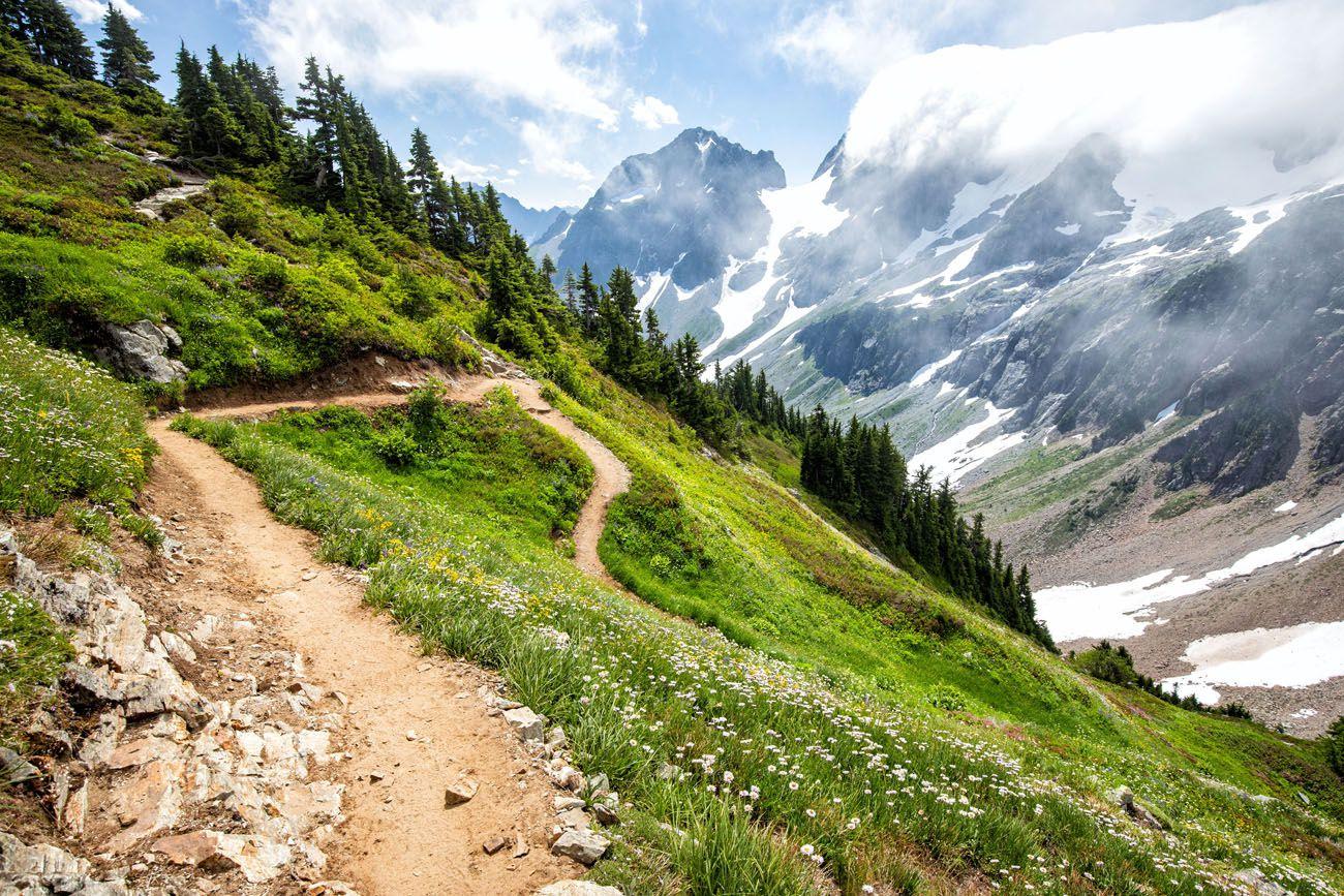 Sahale Arm Hike Switchback