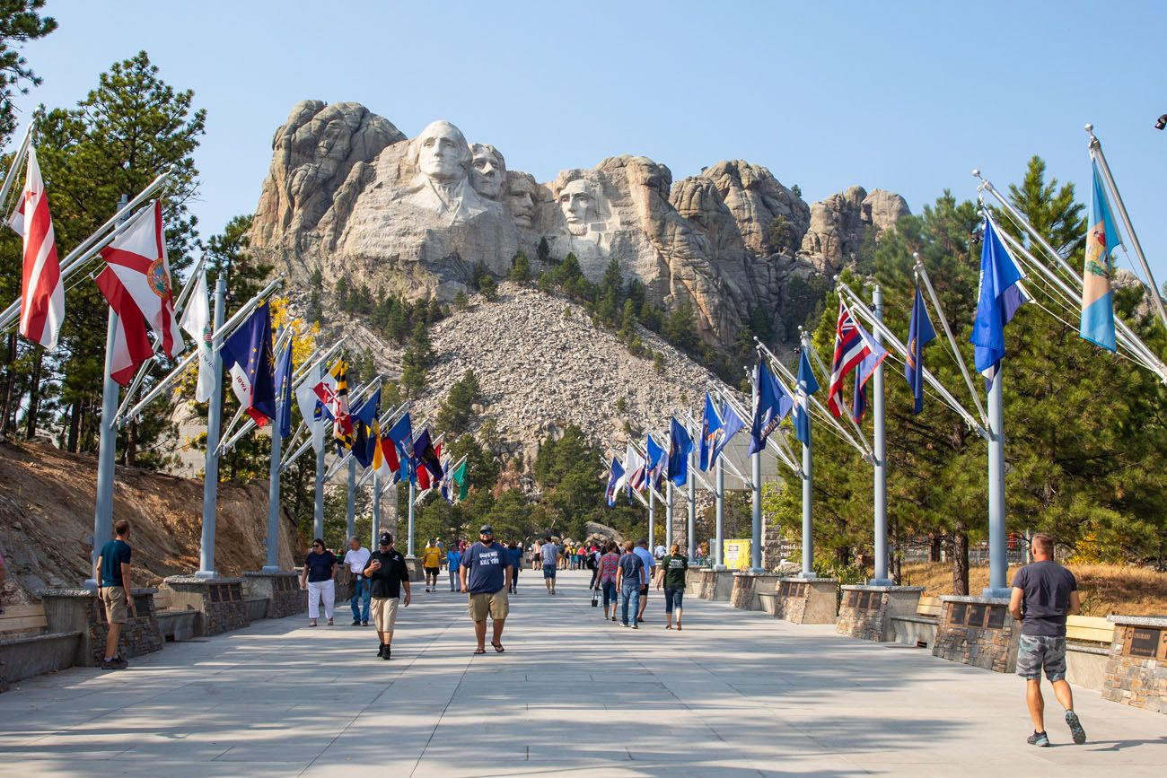 Avenue of the Flags Mount Rushmore