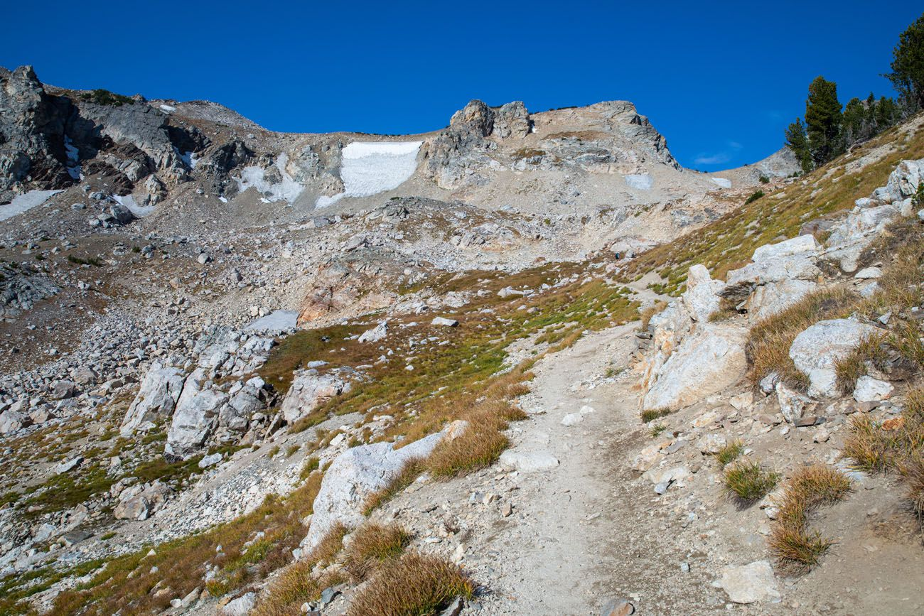 Hike to Paintbrush Divide