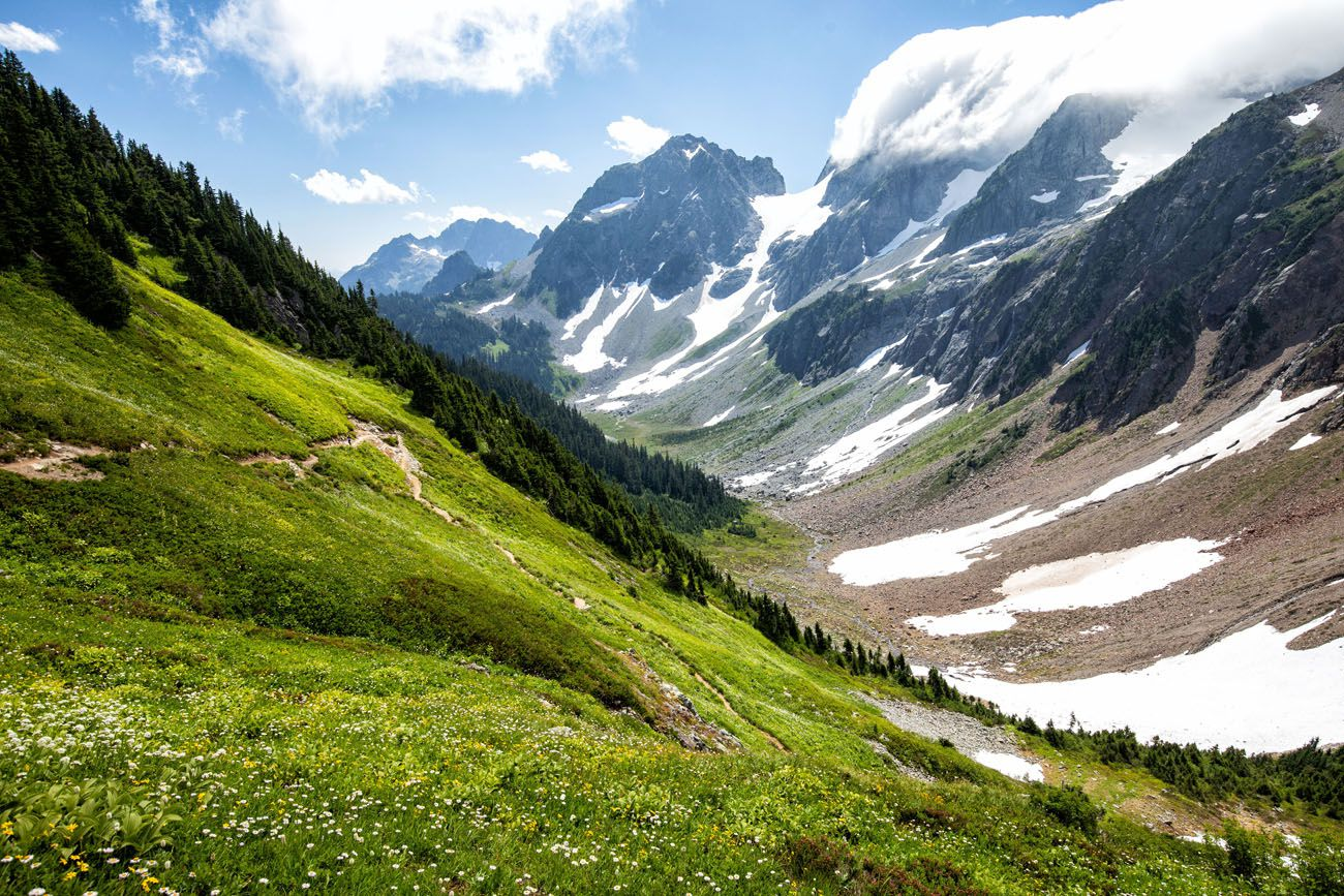 North Cascades Hike hikes in the national parks