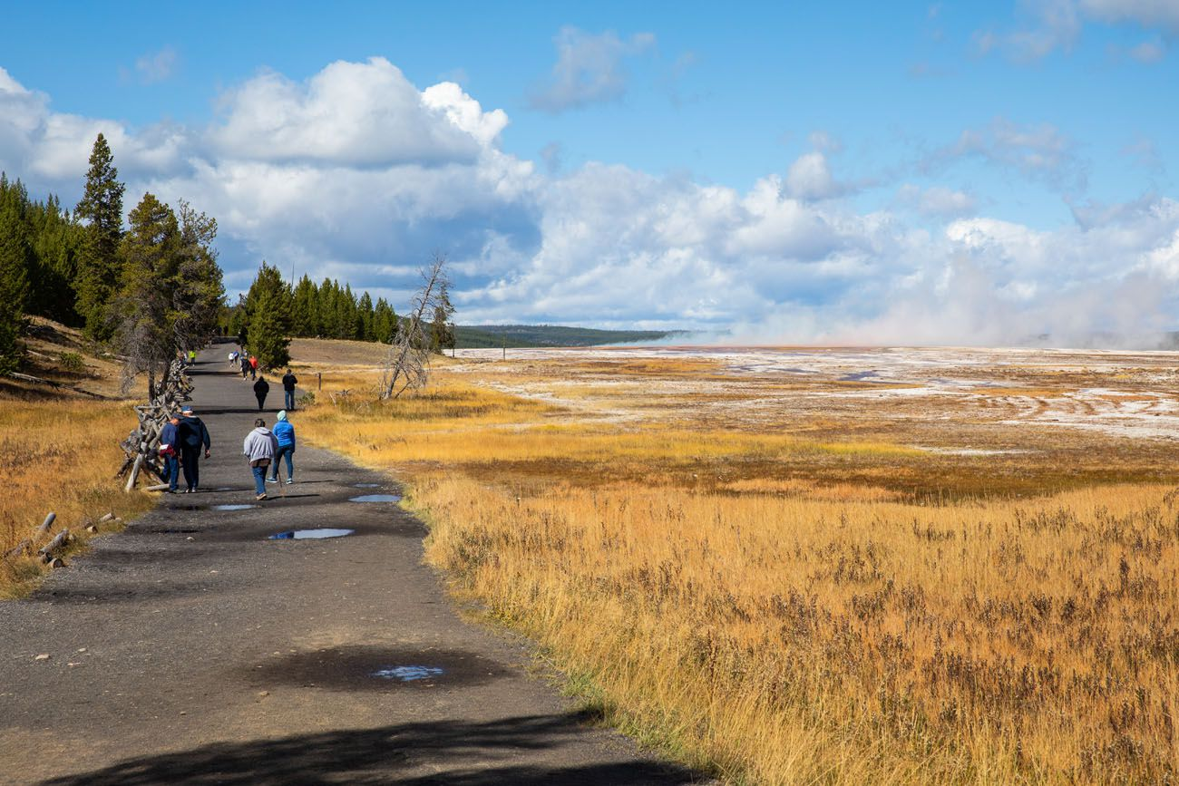 Trail to Grand Prismatic Spring Overlook