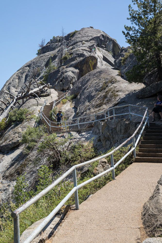 Moro Rock Trail short hikes in the national parks