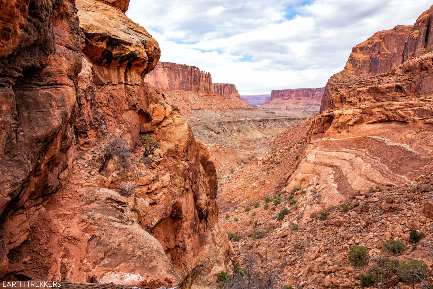 Syncline Loop Hike Canyonlands