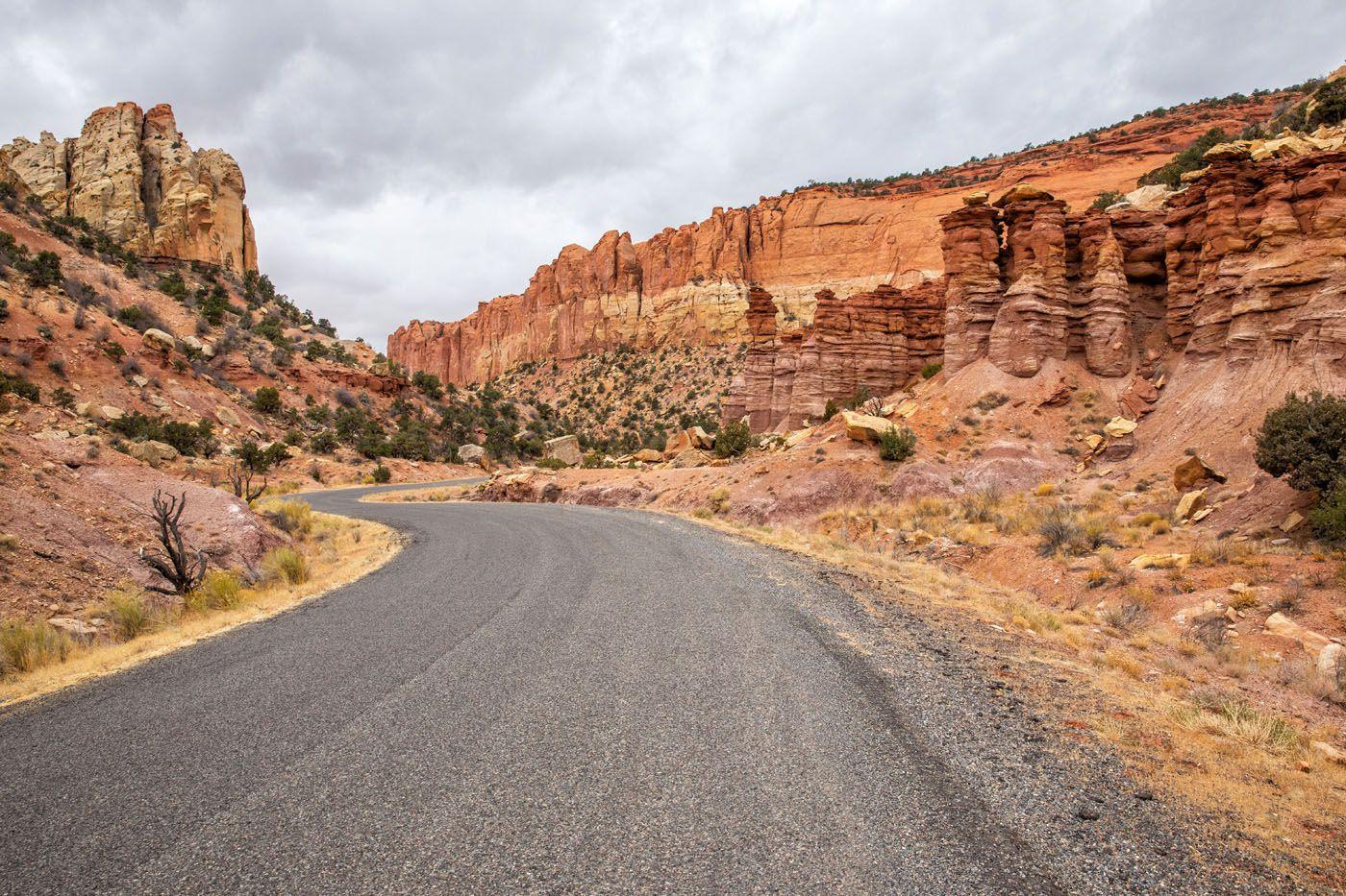 Road through Long Canyon Loop the Fold