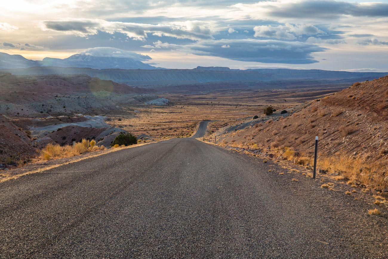 Start of Notom Bullfrog Road