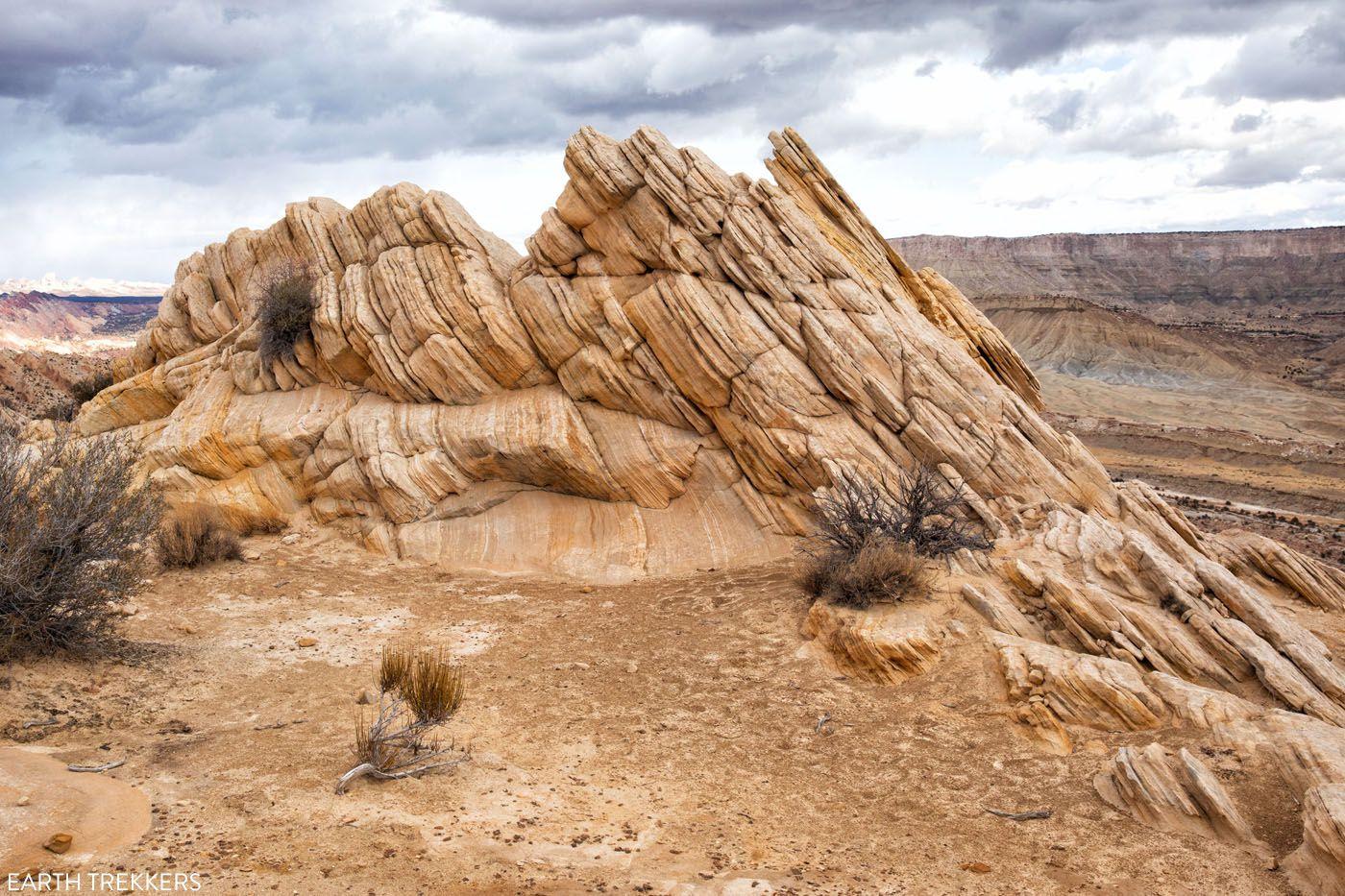 Strike Valley Overlook Rocks Loop the Fold