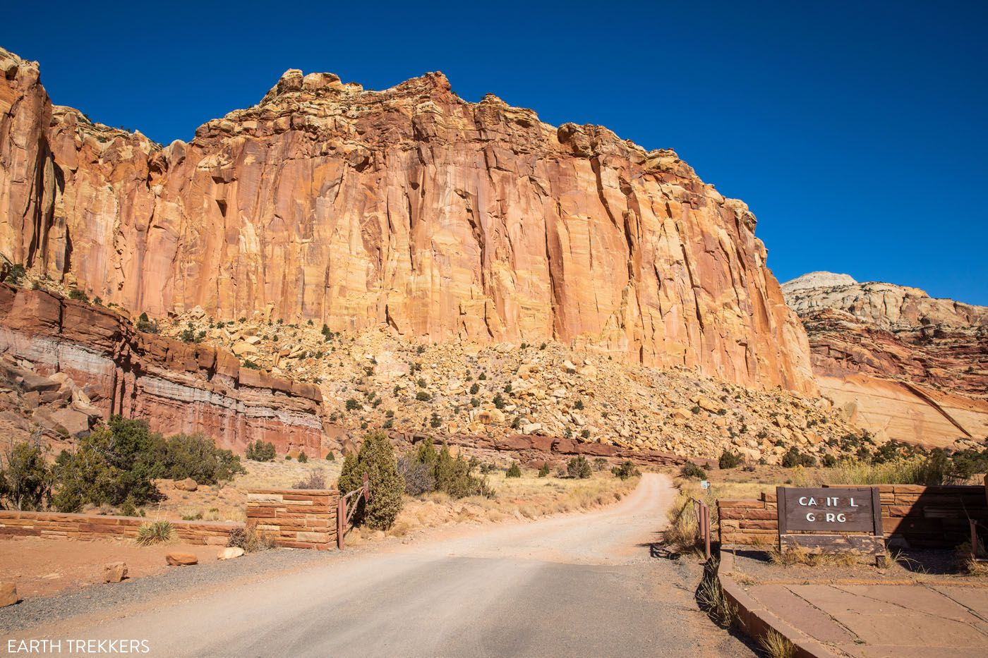 Capitol Gorge Road best hikes in Capitol Reef