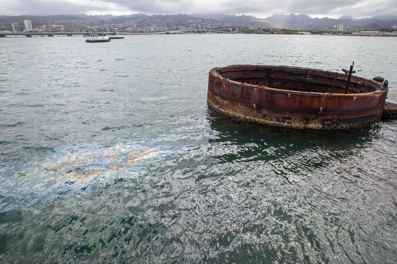 USS Arizona Oil Leakage
