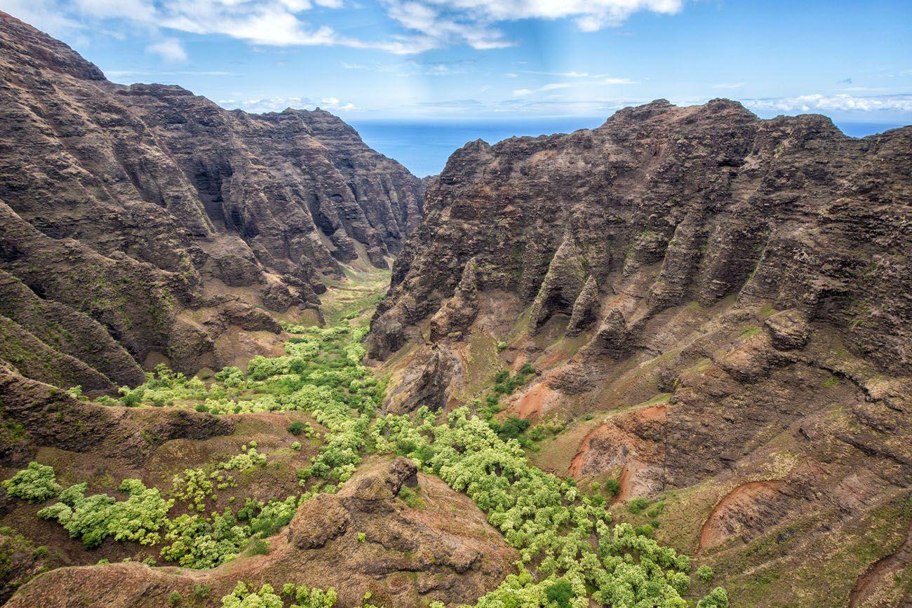 Nualolo Valley doors off helicopter tour of kauai